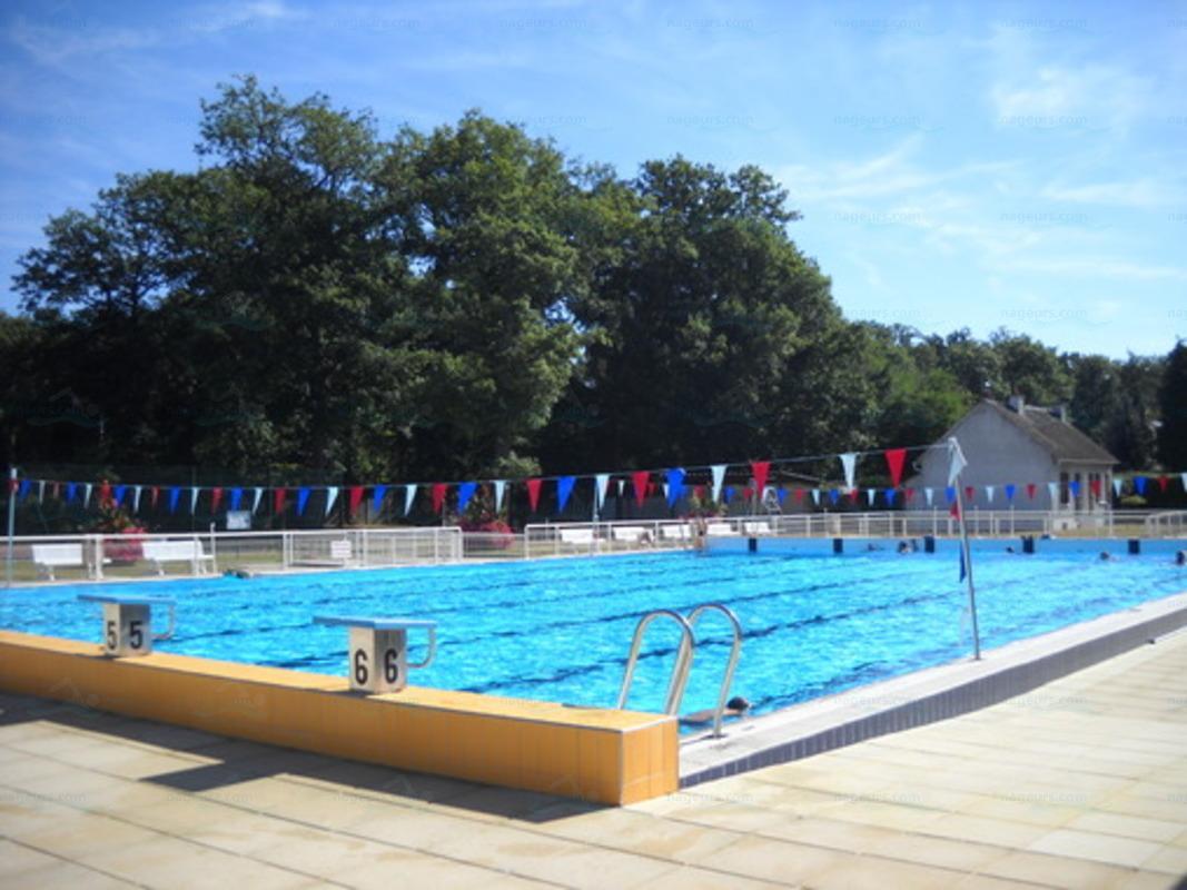 Le guide des 2 piscines de montargis for Les piscines