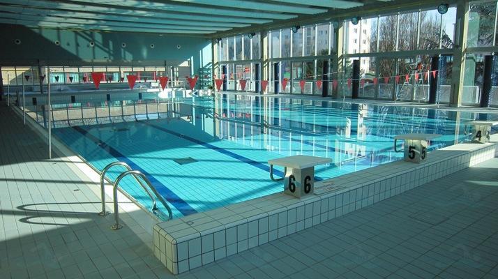 Piscines france ile de france les piscines val de for Piscine youri gagarine