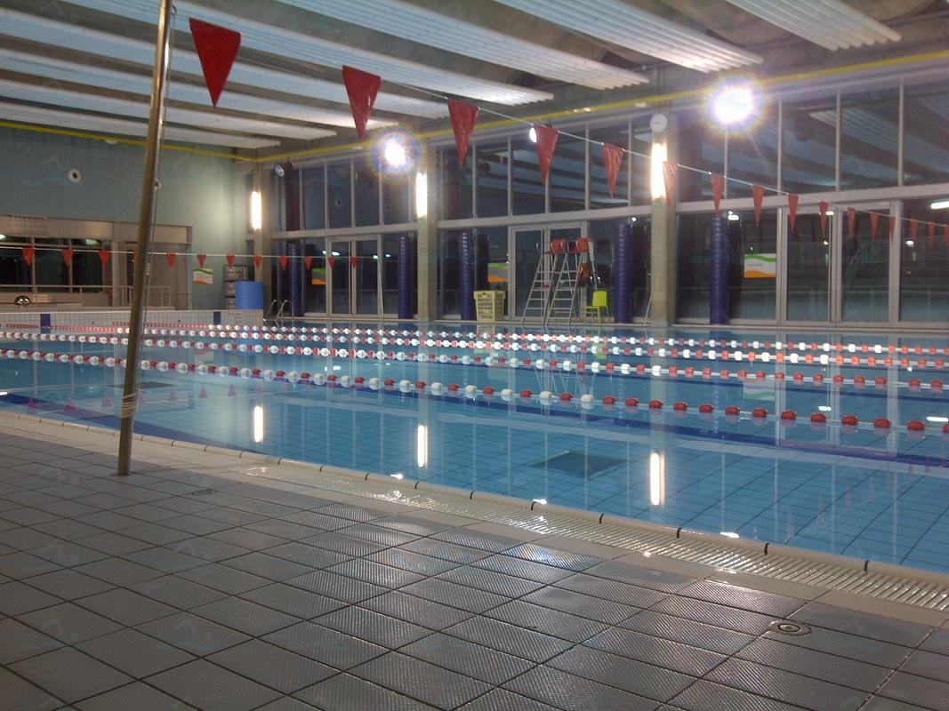 Photos stade nautique youri gagarine for Piscine kremlin bicetre