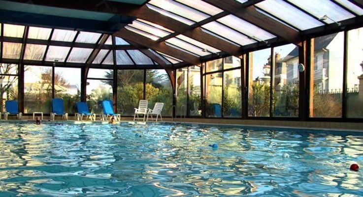 Le guide des 3 piscines de saint malo for Piscine combourg