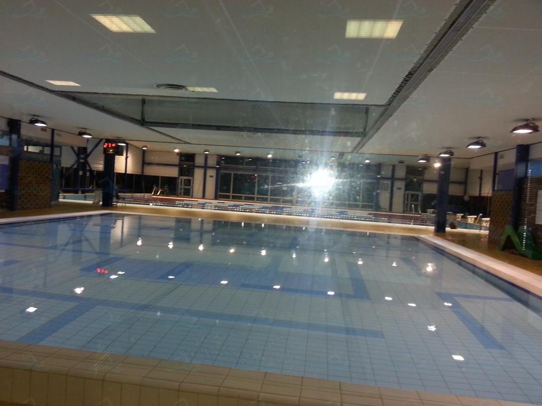 piscines france ile de france les piscines val de. Black Bedroom Furniture Sets. Home Design Ideas