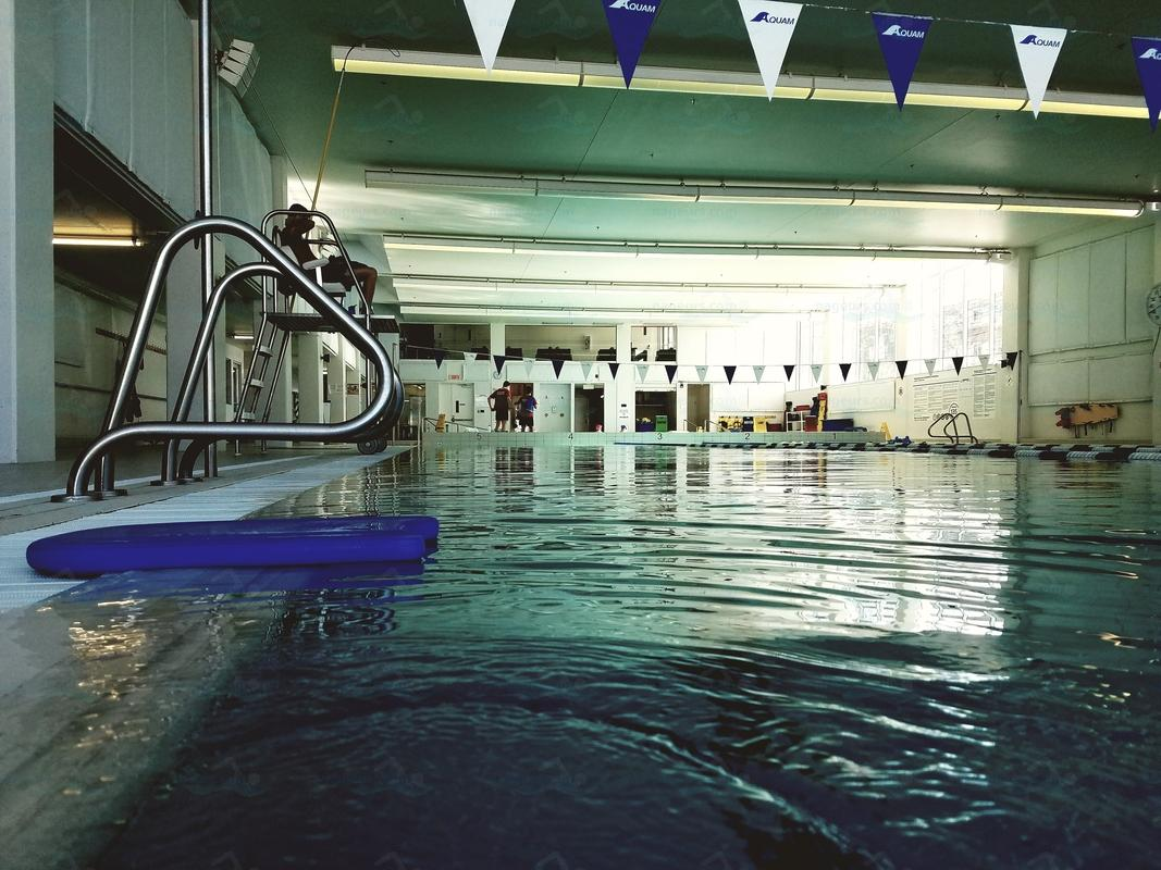 Photos ymca cartierville for Piscine bourgonniere