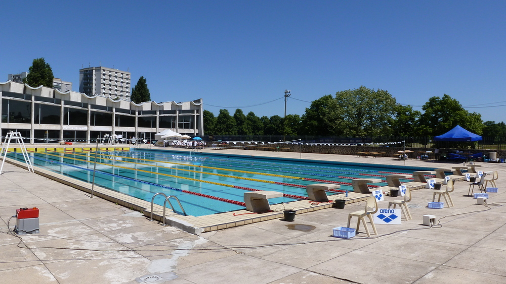 Piscine marville for Piscine baleine saint denis