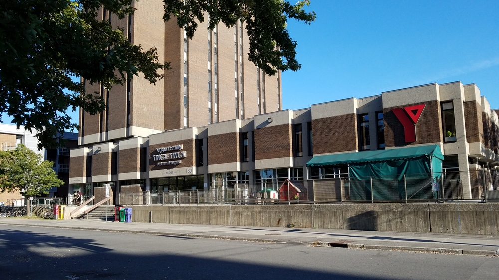 Ymca ywca national capital region taggart family y for Academie lafontaine piscine